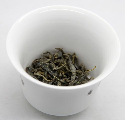 罗布麻茶(每天3杯为佳,1杯3克即可)