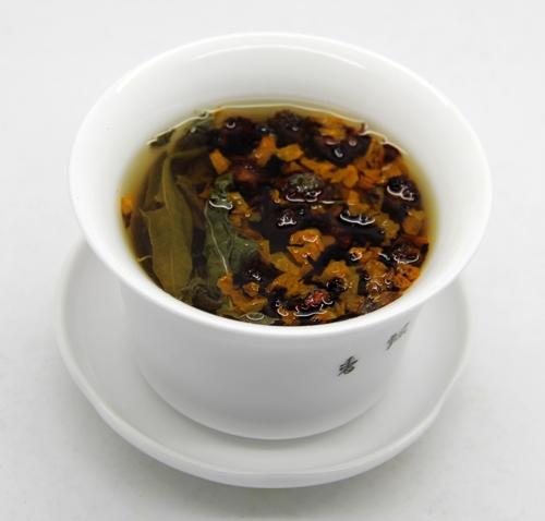 罗布麻茶和昆仑雪菊搭配冲泡